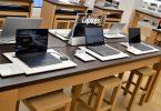 Jajaran Laptop di Toko