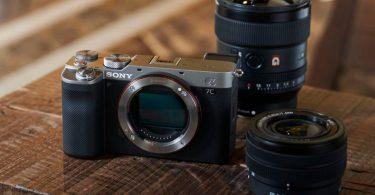 Punya-Bodi-Ringan-Sony-Hadirkan-Kamera-Full-Frame-Alpha-7C-dengan-Lensa-Zoom-Header.