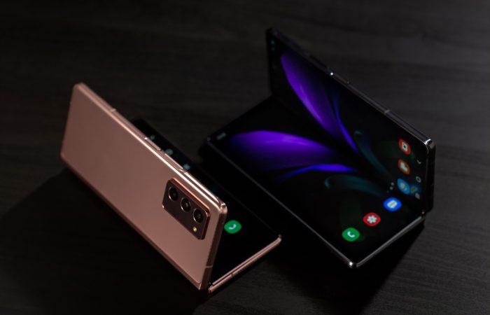 HP Termahal di Indonesia - Samsung Galaxy Z Fold2