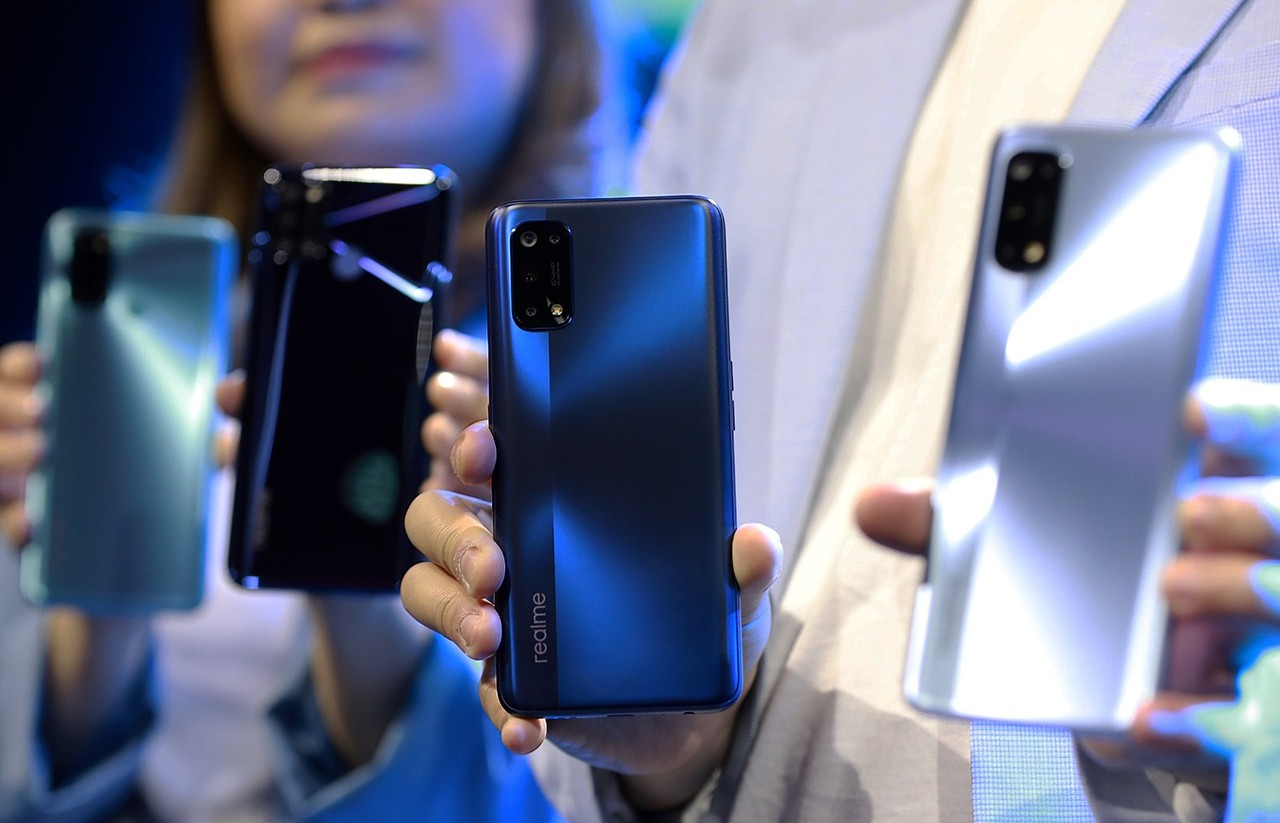 Unggulkan-65W-SuperDart-Charge-Pre-Order-realme-7-Pro-Officially-Starts-in-Indonesia