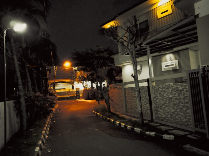 realme C17 Kamera Belakang Malam Modern Gold
