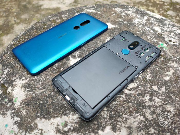 Nokia-C3-BackOpenDiagonal