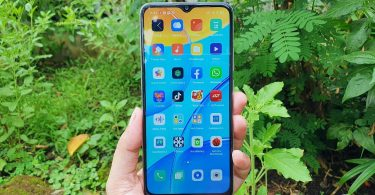 Review OPPO A15 Layar