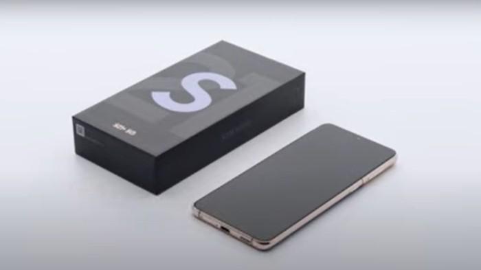 Boks-Samsung-Galaxy-S21-Series-dan-satu-unit-ponsel