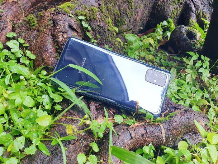 Review Samsung Galaxy M51 Bagian Belakang