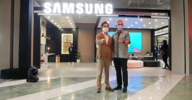 Grand-Opening-Samsung-Multi-Experience-Store
