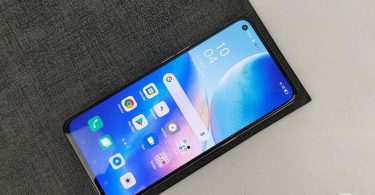 OPPO Reno5 5G Diagonal Display