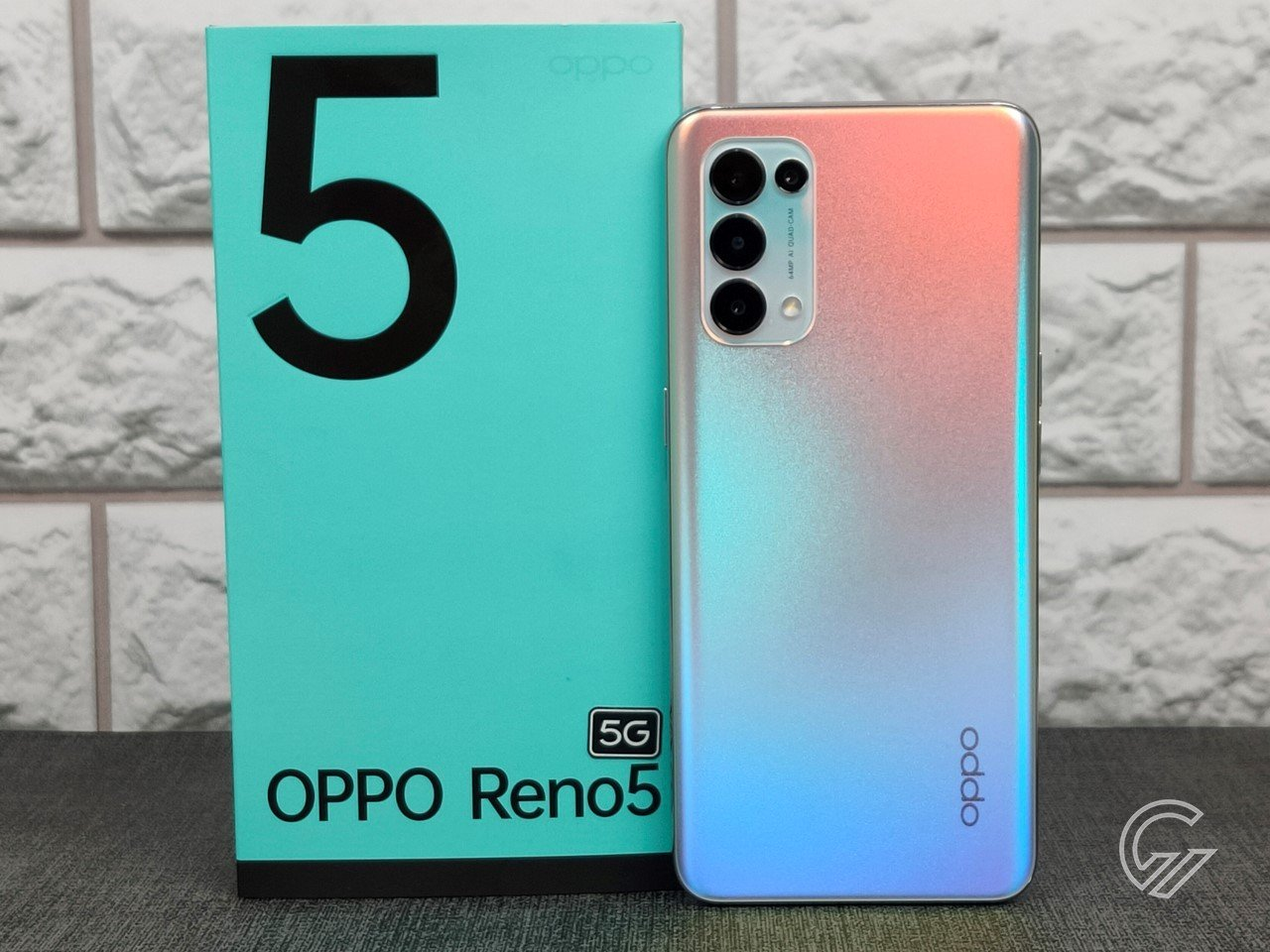 OPPO Reno5 5G Feature Vertical