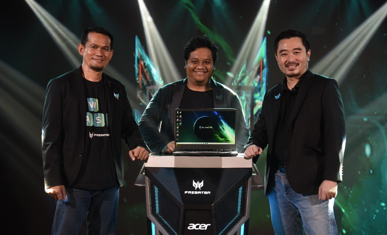 Acer Predator Helios 300 Tara Arts