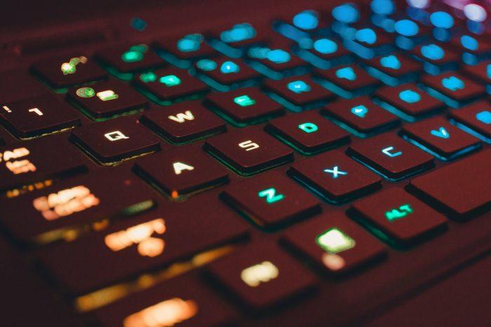 ASUSROG-ZephyrusS17-Keyboard