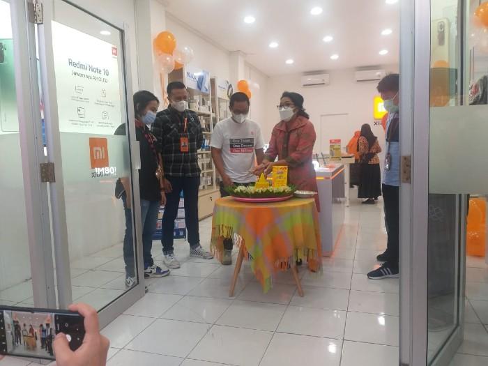 Grand-Opening-30-Mi-Shop
