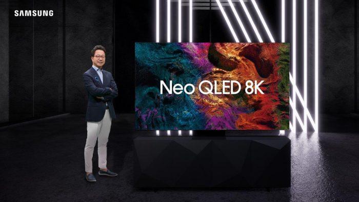 Mr.-Yoonsoo-Kim-with-Samsung-Neo-QLED-8K