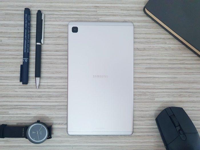 Kelebihan dan Kekurangan Samsung Galaxy Tab A7 Lite Bodi
