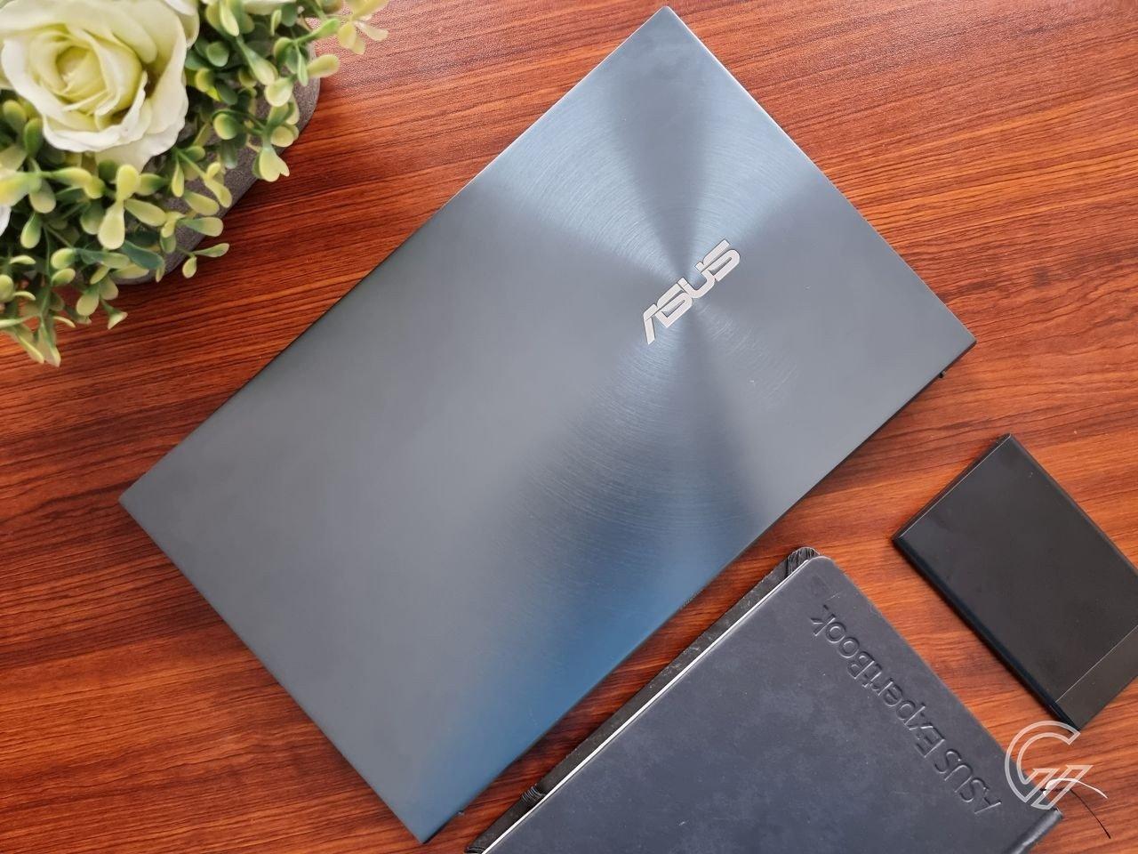 ASUS ZenBook 14 UX435