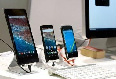 Handphone Dipajang