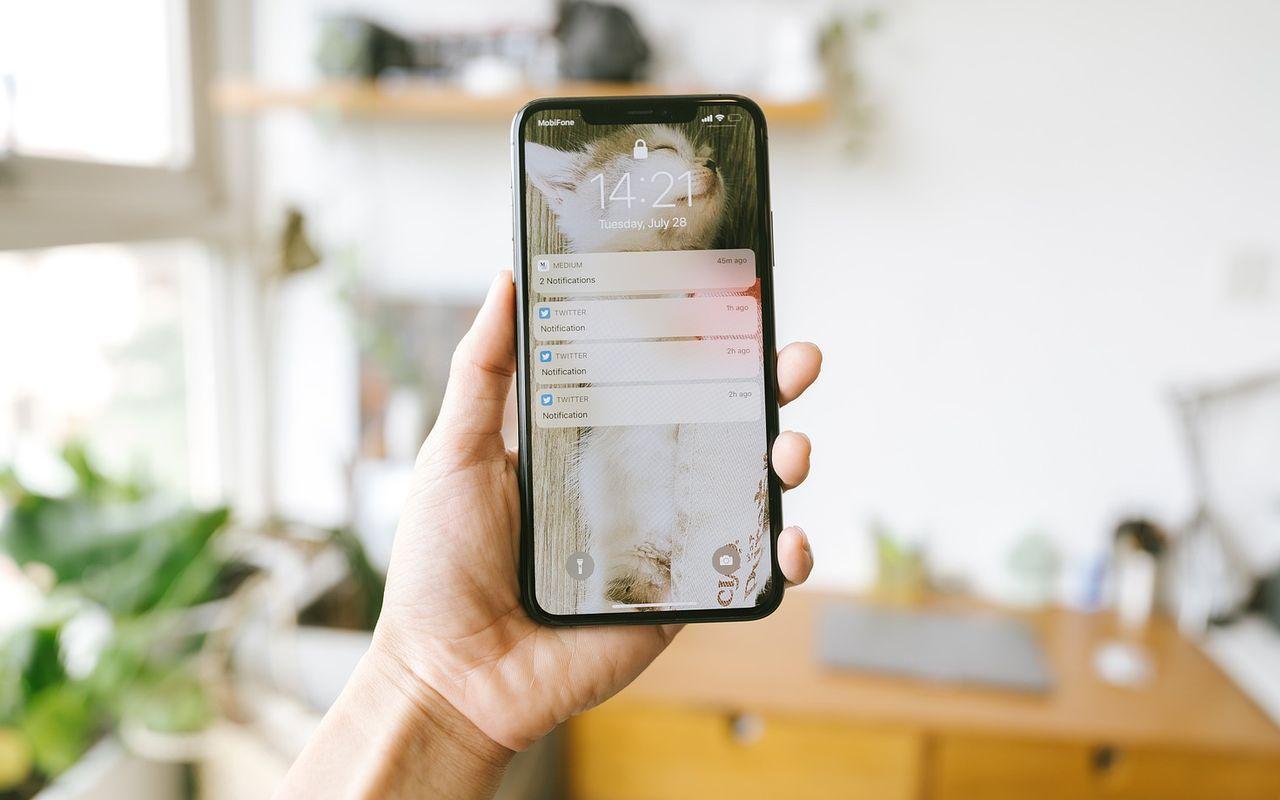Handphone iPhone Lockscreen