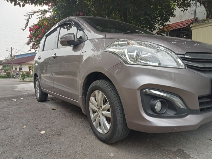 OPPO A16 Kamera Siang - Mobil
