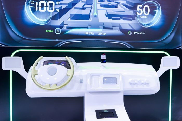 OPPO VOOC wireless flash charging in the car