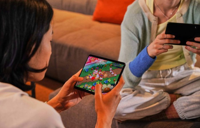 Samsung-Galaxy-Fold3-5G-Gaming-Mobile.