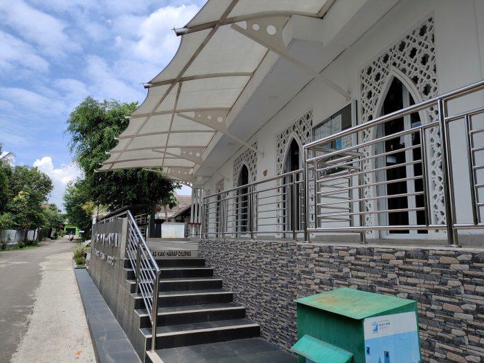realme GT Master Edition Kamera Belakang Masjid