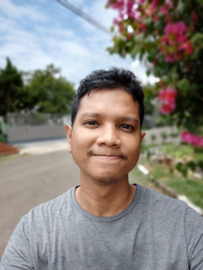 realme GT Master Edition Kamera Depan Portrait